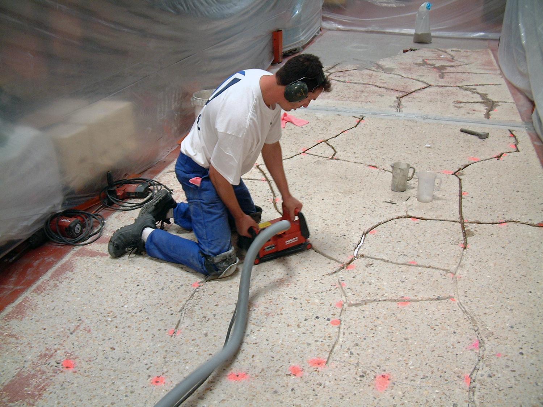 Satras poss de de nombreuses comp tences en travaux sp ciaux for Traitement des poutres en bois par injection
